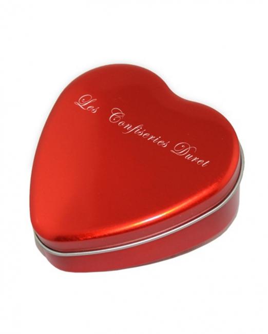 Кутия бонбони във формата на сърце