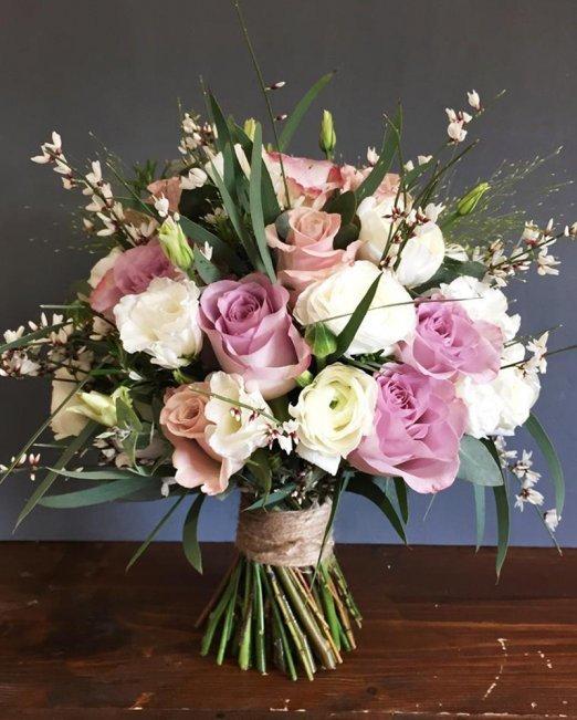 Kiss of Roses