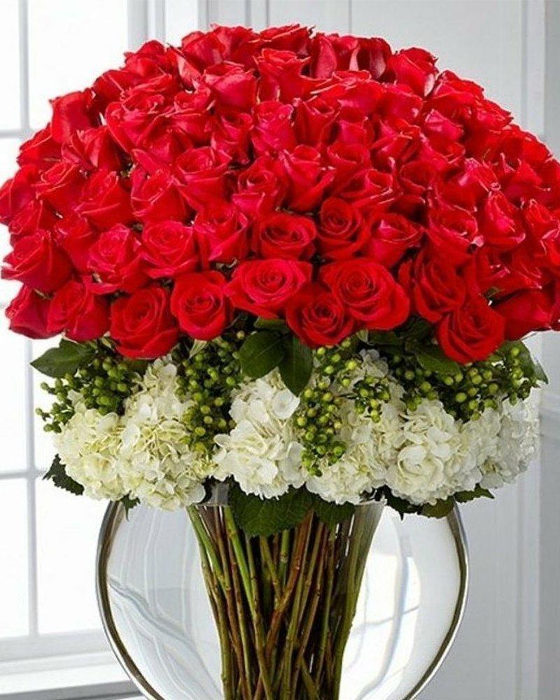 Рози и хортензии
