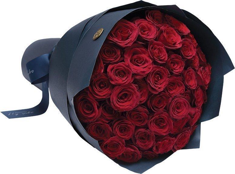 25 броя рози