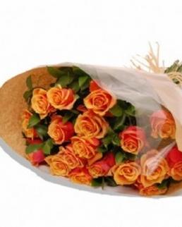 Букет от 19 оранжеви рози