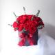 23 червени рози в кутия